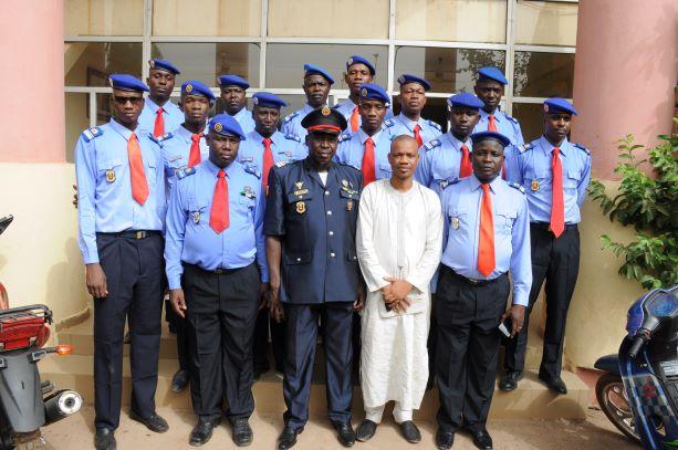 Quatorze officiers supérieurs de la Protection Civile ont porté leurs nouveaux galons de Commandant.